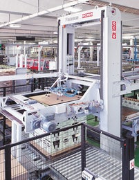 Automatic palletizer with 90 degrees infeed