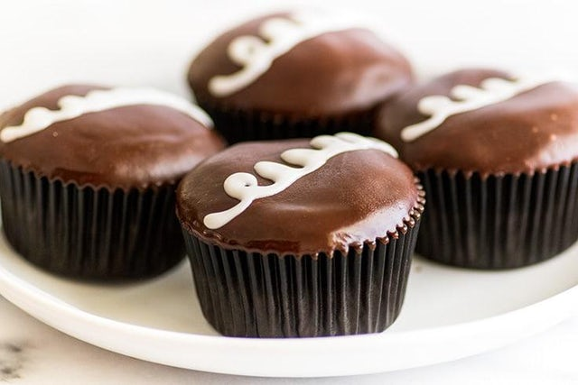 Chocolate surface filling for cup cakes