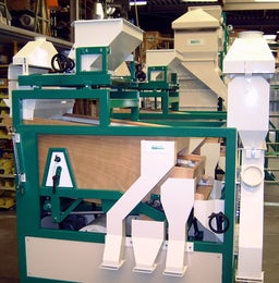Air screen seed cleaning machine