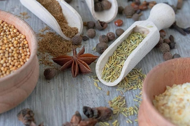 Infrared heating and drying organic herbs and spices