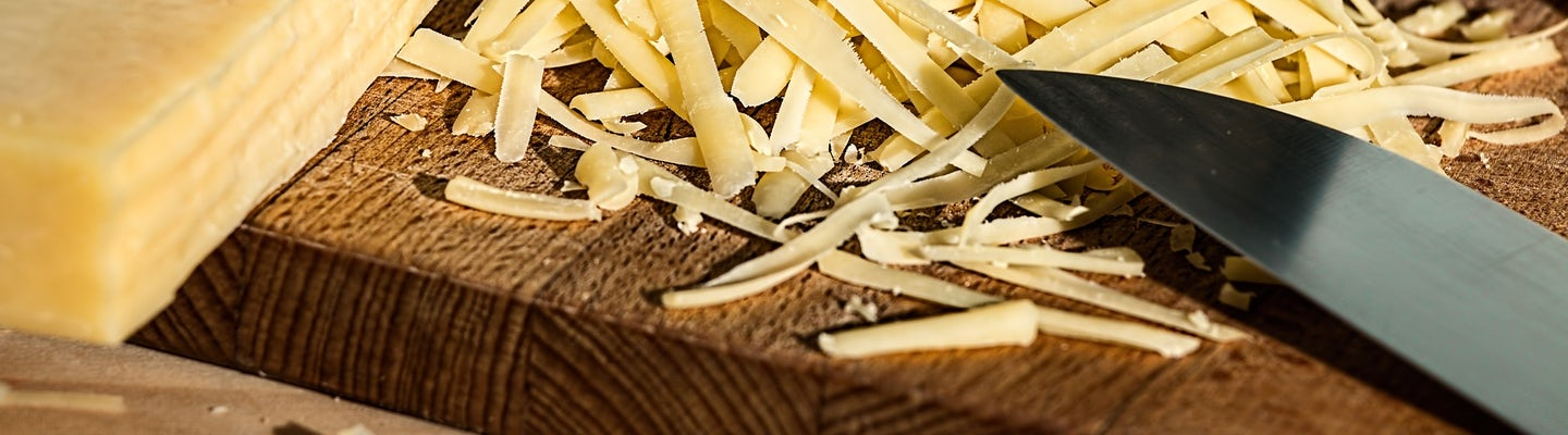 Let's make grated cheese